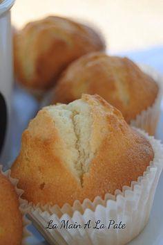 Cadeau gourmand : Madeleines espagnoles au citron et à la crèmeLa main à la pâte