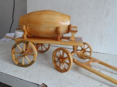Wooden Toy Trucks, Wooden Toys, Woodworking Projects Diy, Diy Projects, Covered Wagon, Workshop, Garage, Miniatures, Gardening