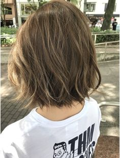 Pin on ボブ Haircuts For Fine Hair, Hairstyles Haircuts, Layered Bob Hairstyles, Medium Hair Styles, Curly Hair Styles, Short Thin Hair, Lob Hairstyle, Hair Highlights, Gorgeous Hair