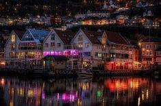 Increíble Noruega de noche.