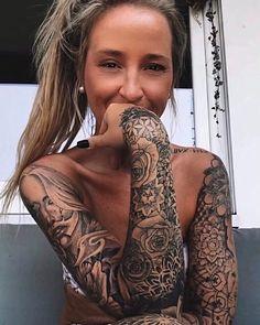 Hot Tattoos, Unique Tattoos, Girl Tattoos, Tatoos, Tattoos For Women Half Sleeve, Women Sleeve, Tattoo Women, Hot Tattoo Girls, Tattoed Girls