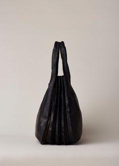 Yohji Yamamoto Accordion Handbag (Black) Big Handbags 6bc93607ad692