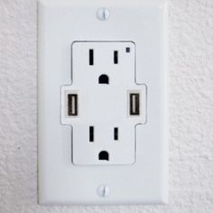 Hot off yesterday's news of the DIY USB wall outlet (replace your standard outlet plugs with two USB plugs) comes a product that addresses the shortcomings..