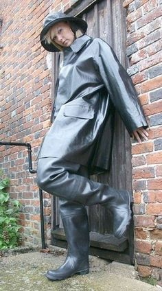Chest waders and a good SBR Mack and Souwester.just the tickets for keeping you dry on a wet day. Heavy Rubber, Black Rubber, Wellies Boots, Rain Boots, Latex Cosplay, Rubber Dress, Rubber Raincoats, Pvc Raincoat, Thigh High Boots Heels