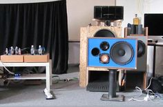 3-Wege Lautsprecher im Vintage Style und Bookshelf-Format