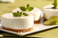 Recette de mini cheesecakes au citron vert au Thermomix TM31 ou TM5. Faites ce dessert en mode étape par étape comme sur votre Thermomix !