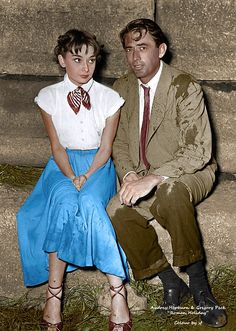Audrey Hepburn and Gregory Peck in between scenes during the filming of Roman Holiday 1953 Audrey Hepburn Mode, Audrey Hepburn Roman Holiday, Audrey Hepburn Quotes, Gregory Peck, Audrey Hepburn Wallpaper, Golden Age Of Hollywood, Vintage Hollywood, Classic Hollywood, Divas