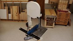 Learn Woodworking Learn the basics of how to use a bandsaw and advice on bandsaw safety in this informative woodworking video. - Learn the basics of how to use a bandsaw and advice on bandsaw safety in this informative woodworking video. Youtube Woodworking, Woodworking Skills, Woodworking As A Hobby, Woodworking Videos, Woodworking Bench, Woodworking Projects Plans, Diy Bandsaw, Bandsaw Projects, Wood Projects