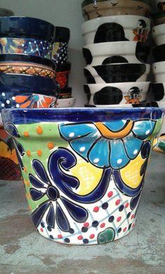 Painted Flower Pots, Ceramic Flower Pots, Painted Pots, Pottery Painting, Ceramic Painting, Pottery Art, Mexican Ceramics, Glazed Ceramic Tile, Talavera Pottery