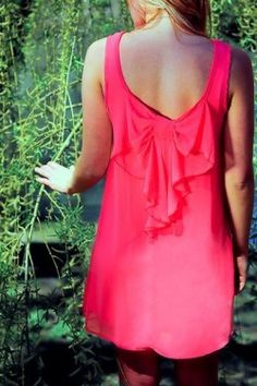 Perfect dress for date night/weddings http://www.escloset.com/idevaffiliate/idevaffiliate.php?id=312