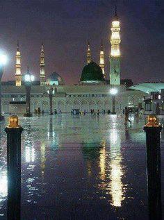 Rain In Madinah SallAllahu Alaihi Wasallam Al Masjid An Nabawi, Mecca Masjid, Masjid Al Haram, Islamic Images, Islamic Pictures, Islamic Art, Islamic Quotes, Islamic Phrases, Medina Mosque