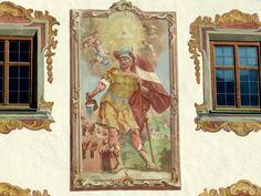 Fassadenmalerei am Gemeindeamt in Pettnau