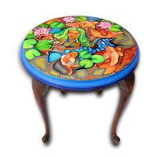Bemalter Tisch von Jeanett Rotter.