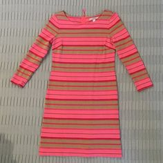 Banana Republic dress Pink and gold striped dress. The gold has a little shimmer to it. 3/4 length sleeves with a little zipper on the back. Size 4 but fits like a 2. No trades. Banana Republic Dresses Mini