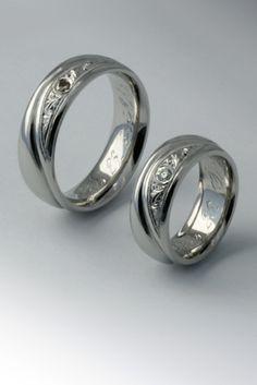 Vésett karikagyűrű Wedding Rings, Engagement Rings, Band, Pretty, Jewelry, Rings For Engagement, Jewlery, Jewels, Commitment Rings