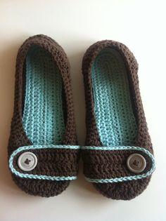 Crochet Women's Slippers #crochet #slippers #brown #blue #etsy #buttons
