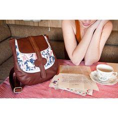 Oktoberdee - Australian handbag label based in Geelong.