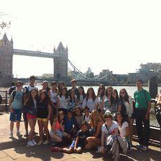 Os dejo otras mas en el Tower Bridge ;)  blog.cla-academiavalladolid.es