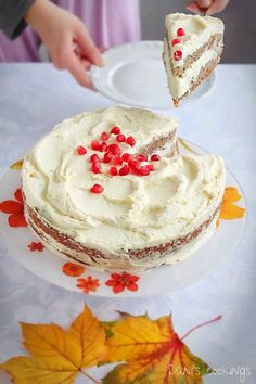 persimmon cake with pomegranate frosting Fun Baking Recipes, Best Dessert Recipes, Easy Desserts, Cake Recipes, Amazing Recipes, Dessert Ideas, Holiday Recipes, Persimmon Recipes, Persimmon Cookies