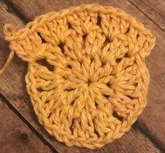 Who's ready for farmers market season to start? Crochet Market Bag, Crochet Tote, Free Crochet, Single Crochet Stitch, Double Crochet, Cotton Crochet Patterns, Crab Stitch, Yarn Bee, Reusable Bags