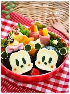 Search result for bento. 539 easy and delicious homemade recipes. See great recipes for Simple Jabara Cucumber Namul for Bento too! Cute Food, Good Food, Yummy Food, Bento Box Lunch, Lunch Snacks, Food Art Bento, Sushi, Japanese Food Art, Cute Bento