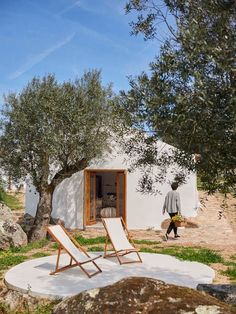 We've been wanting to go back to Portugal, and I've found just the spot! Check out Casas Caiadas – OMG, perfection! Boutique Homes, Mediterranean Homes, Outdoor Living, Outdoor Decor, My Dream Home, Future House, Interior And Exterior, Interior Ideas, Architecture Design