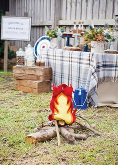 Super Cute {Backyard} Winter Camping Party