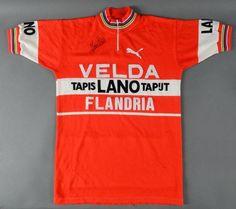 Maillot officiel de l'équipe Flandria-Velda-Lano porté et signé par Freddy Maertens lors de la saison 1978. Liserets de champion du Monde. - Coutau-Bégarie - 08/02/2014