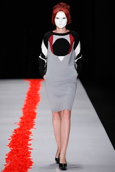 Dimaneu Russia Fall 2015 - Collection - Gallery - Style.com