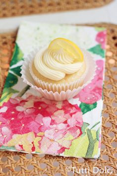 """Best Lemon Cupcakes"""