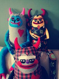 Plush Devil toys. Colorfull, weird, beautiful toys. Plush devils by hugehug.