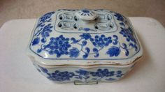 A nice Chinese  blue and white porcelain box  and cover
