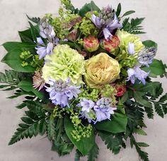 Onnittelukimppu: neilikka, jaloleinikki Kukkiamme voi tilata myös verkkokaupasta http://meritorni.ekukka.fi