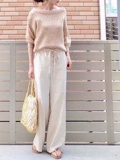 hononさんのコーディネート Fashion Pants, Fashion Outfits, Womens Fashion, Japanese Fashion, Korean Fashion, Linen Pants Outfit, Beige Style, Simple Outfits, Street Chic
