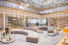 Profitez de l'ouverture | WEBSTA - Instagram Analytics Mall Design, Retail Design, Store Design, House Design, Retail Interior, Best Interior, Work Cafe, Retail Fixtures, Store Layout