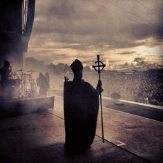 One of my all-time favorite Ghost pictures. Band Ghost, Ghost Bc, Ghost Banda, Hard Rock, Zero Wallpaper, Ghost Pictures, Thrash Metal, Metalhead, Death Metal