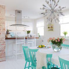 Kök Table Decorations, House, Inspiration, Furniture, Home Decor, Kitchens, Biblical Inspiration, Decoration Home, Room Decor