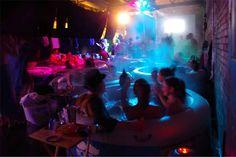 Bem Legaus!: Cinema na banheira