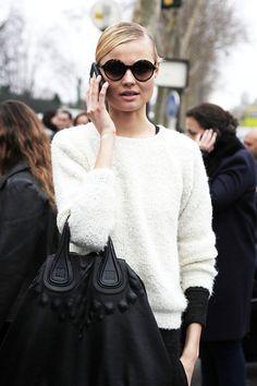 Love this handbag. Looks like Gucci