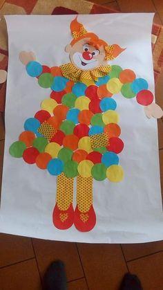 Dia do palhaço crafts grade Halloween Tableau, Spooky Halloween Crafts, Theme Halloween, Halloween Door Decorations, Spooky Decor, Paper Crafts For Kids, Fun Crafts, 2nd Grade Crafts, Clown Crafts