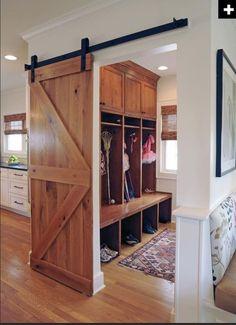 excelente opción de puerta deslizante que reemplace a las puertas de bisagras