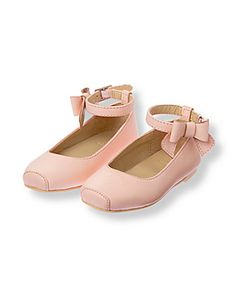 I LOVE this Janie & Jack Bow Ballet Flat to pair with some skinny jeans and a cute little tulle skirt.