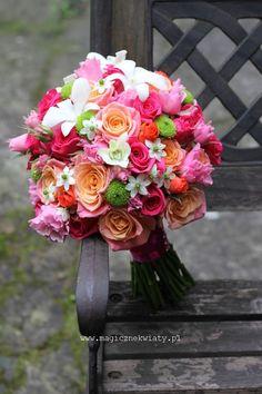 bukiet ślubny, pomarańcz, amarant, róż Prom Flowers, Flower Bouquet Wedding, Spring Flowers, Glitz Wedding, Floral Wedding, Bride Bouquets, Floral Bouquets, Beautiful Flower Arrangements, Beautiful Flowers