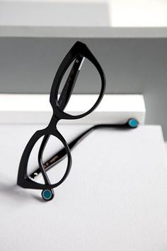 I just loveeeee Anne et Valentin eyewear! A bit expensive eyewear line but so worth every dollar spent! So classy!
