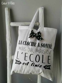 coeur2filles Christmas Wrapping, Christmas Gifts, Diy Tote Bag, Diy Gifts, Handmade Gifts, Silhouette Portrait, School Gifts, Pinterest Blog, Teacher Appreciation