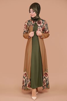 Hırkası Gül Desen 2'li Takım Taba&Haki Ürün kodu: BNM00244 --> 109.90 TL Islamic Fashion, Muslim Fashion, Modest Fashion, Niqab Fashion, Fashion Outfits, Hijab Outfit, Dress Outfits, Gaun Dress, Modele Hijab