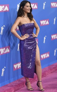 Olivia Munn sexy dress with heels Brunette Beauty, Hot Brunette, Beautiful Celebrities, Beautiful Actresses, Classy Women, Sexy Women, Good Looking Women, Olivia Munn, Lovely Legs