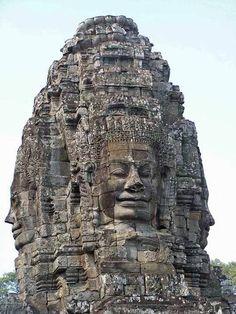 Angkor - (caras) Giant Faces At Bayon Temple Cambodia