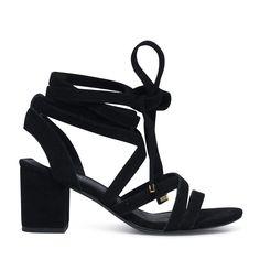Zwarte sandalen met hak met bandjes