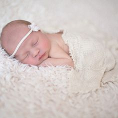Professional photographer Veronique Mills shows you how to do your own newborn photo shoot at home with this easy tutorial.
